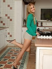 Cutie Avril Hall Heats Up the Kitchen with Her Cooking Utensils - 12/18/2012